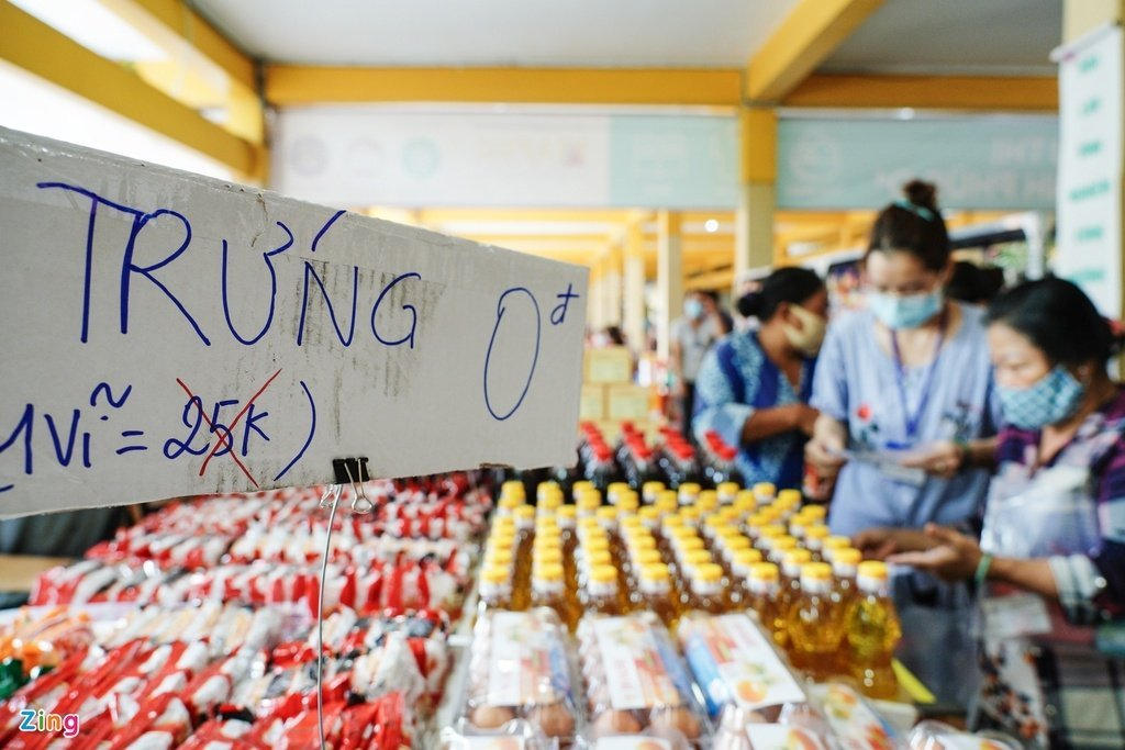 """Meet the """"Zero Dong Store"""" – A Chain of Free Stores Has Opened Up in Vietnam"""