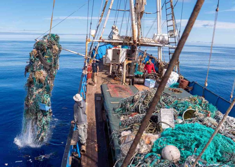 plastic pollution pacific garbage patch